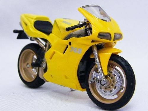 Models - Duc... Ducati 748 Scale