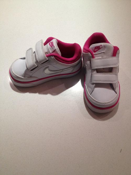 Shoes & Socks - Girls Nike Takkies was sold for R100.00 on ...